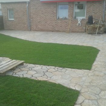Garten, Rollrasen, Pflaster, Platten