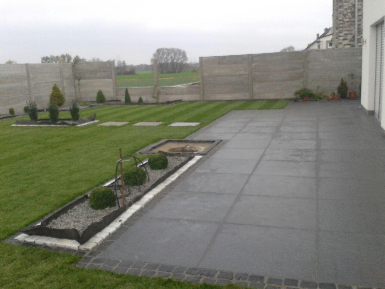 Terrasse garten platten keramik natursteine for Garten steine platten